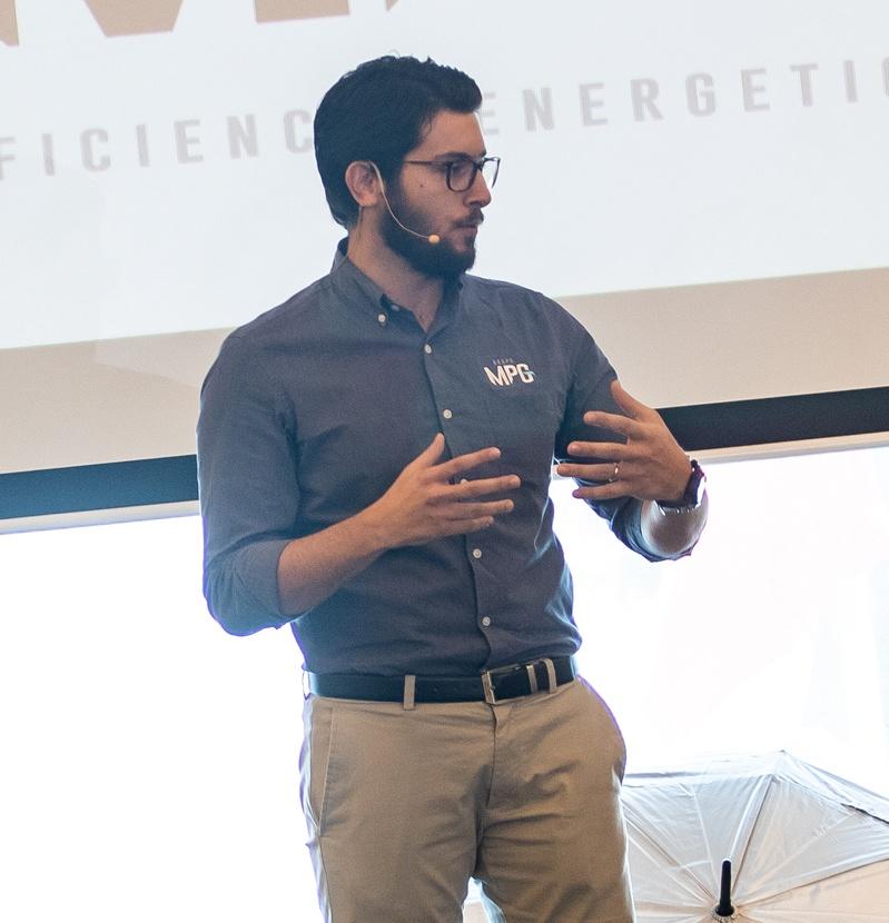 Andrés Mera, MBA
